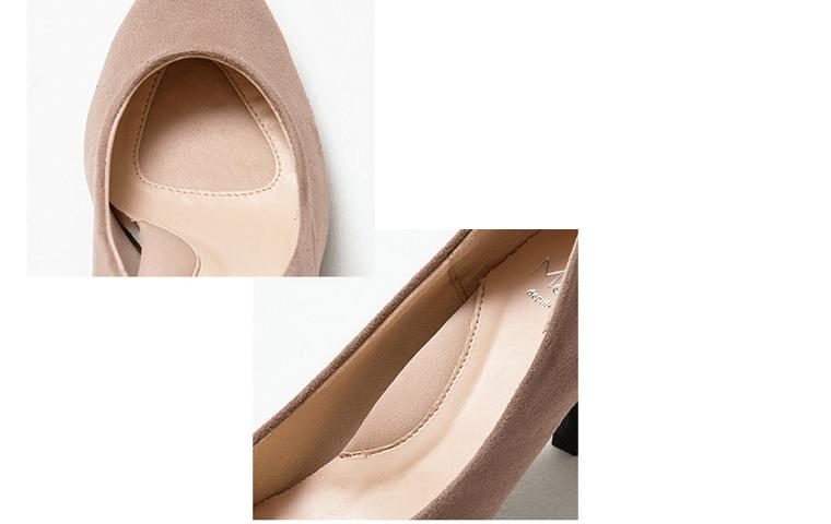ふわふわの靴のインソールを写した写真